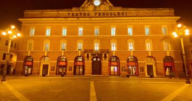Il Teatro Pergolesi di Jesi si illumina